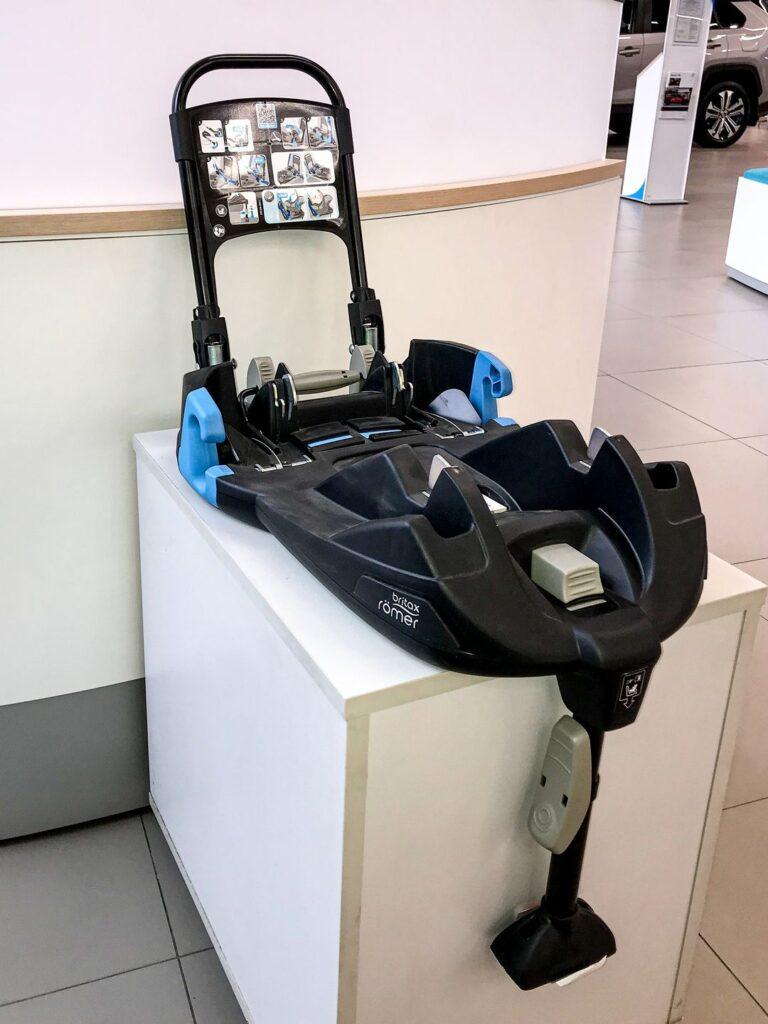 Дитячі автомобільні крісла Toyota